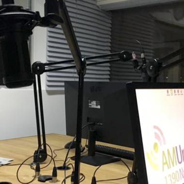 """""""En la ciudad"""" realizó su 143° programa desde los nuevos estudios de Radio Universidad"""