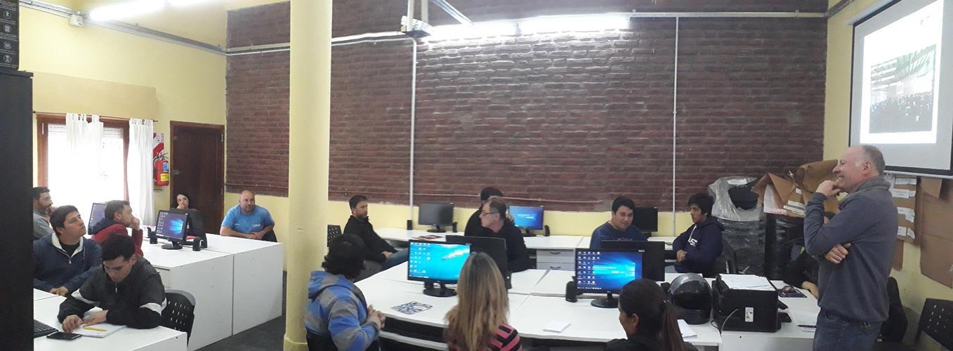 """Comenzó el curso """"Lectura de Planos Digitales"""" en Chascomús"""